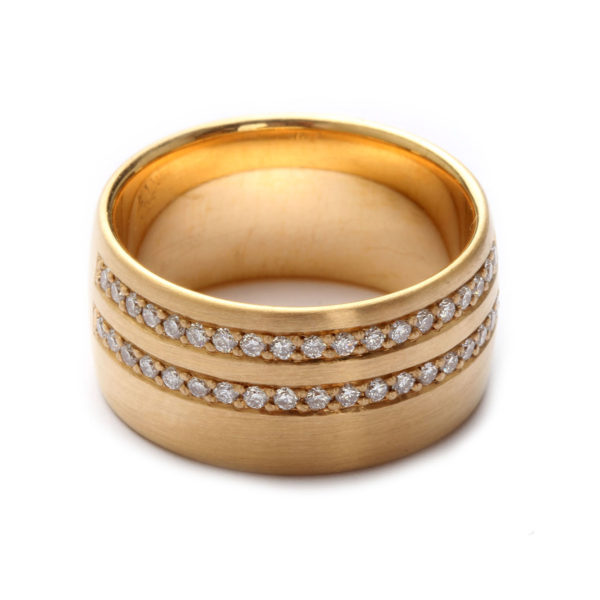 Ring in Gold mit Diamanten