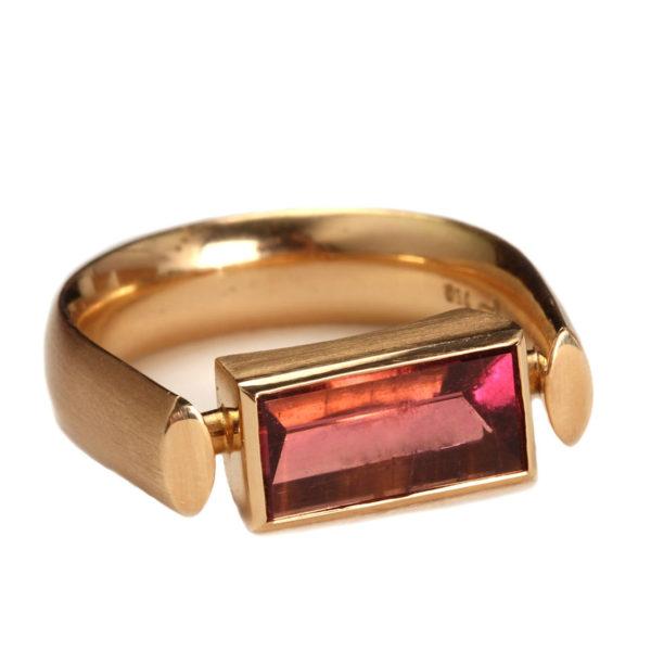 Ring aus Gelbgoldt mit Turmalin