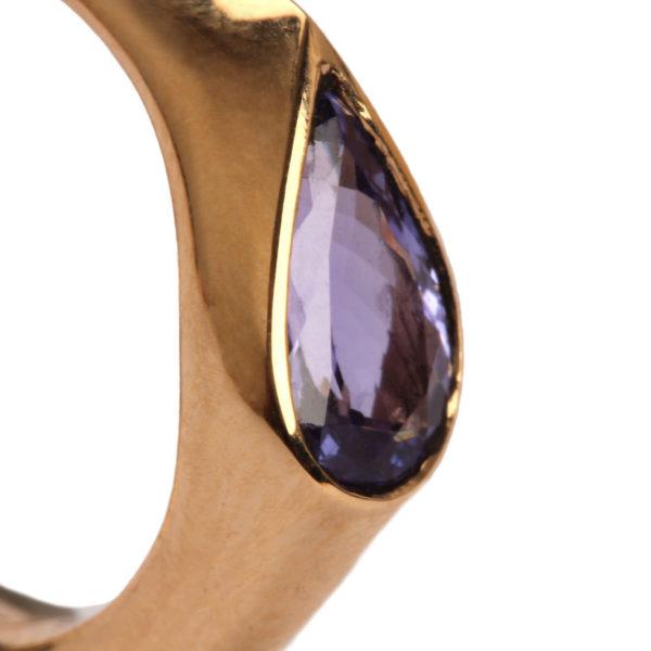 Ring in Gold mit Tansanit