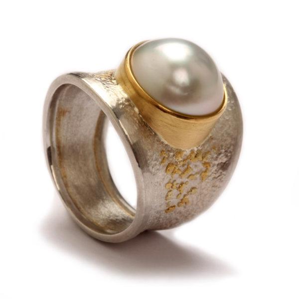 Ring in Silber mit Gold und Perle