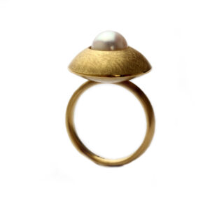 Ring in Gold, mattiert, Perle