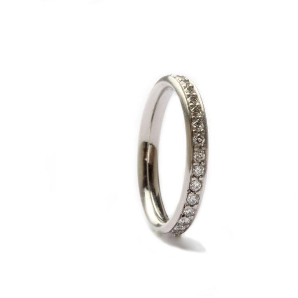 Ring in Platin mit Diamanten