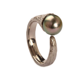 Ring in Palladium mit Perle